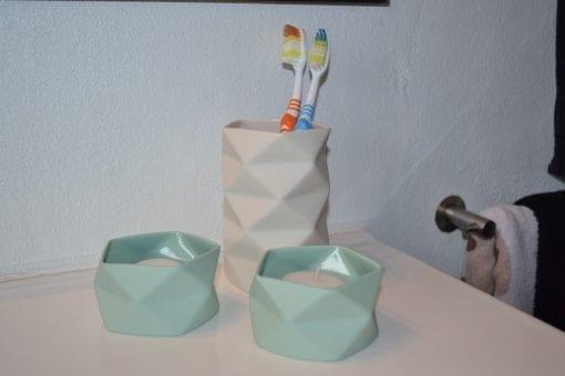 Keramik Vase Fold i Råhvid, Lille - 10,5 cm