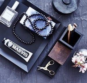opbevaringsbakke, sort bakke, dansk design, stilrent design, sejdesign, retangulaer bakke