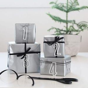 ATHS6-Advent-tal-hvid-jul-pynt-design-adventstal-interiør-bolig-ophæng-dekoration-minimalistisk-Felius-Design-3