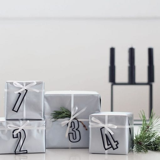 ATSS6-Advent-tal-sort-jul-pynt-design-adventstal-interiør-bolig-ophæng-dekoration-minimalistisk-Felius-Design-1