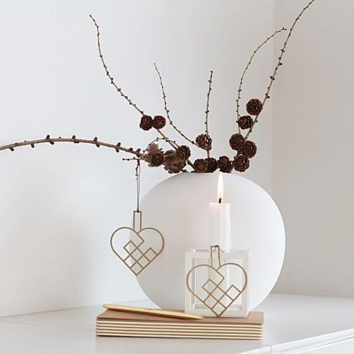 JHMS2-julehjerte-messing-jul-pynt-design-interiør-bolig-ophæng-dekoration-minimalistisk-Felius-Design-2