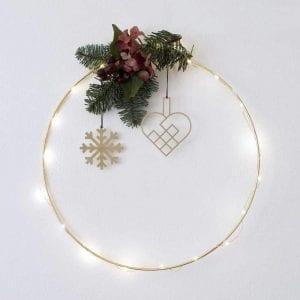SFM2-JHMS2-julehjerte-messing-jul-pynt-design-interiør-bolig-ophæng-dekoration-minimalistisk-Felius