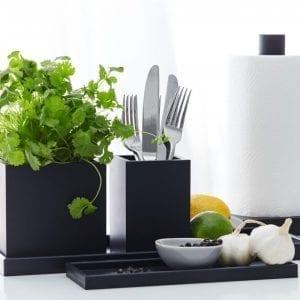 krukke-vase-sort-indretning-dansk design-opbevaring-koekken-bestik-bolig-sej design-inspiration
