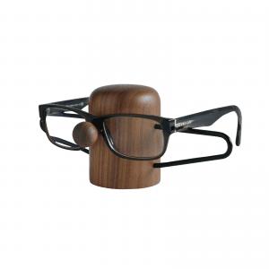 Nosey-walnut-black-dot aarhus-brilleholder-glasses