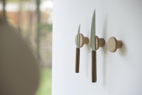 magnet knage - knivholder - holder til knive - blue appeal - boligindretning - trae knage - modernhouse.dk