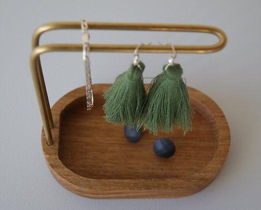 hang on smykkeholder - dot aarhus - dansk design - smykkeopbevaring - smykkegarderope - upcoming design