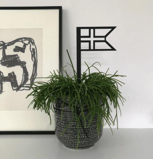 Sort flag i krukke_dansk design_Ryborg Urban Design